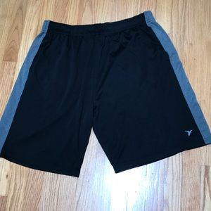 Old Navy Men Athletic Shorts Size XL